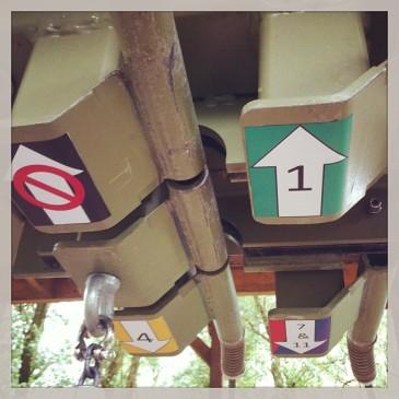 je kunt nu gewoon de pijlen volgen in het klimparcours naar de juiste route. #klimpark #hetklimeiland #vlietland