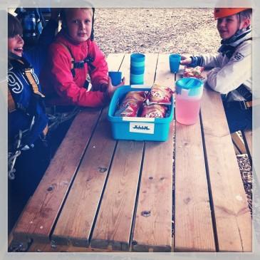 Net voor de vakantie vieren ook vandaag weer veel kinderen hun feestje bij #klimpark het #klimeiland